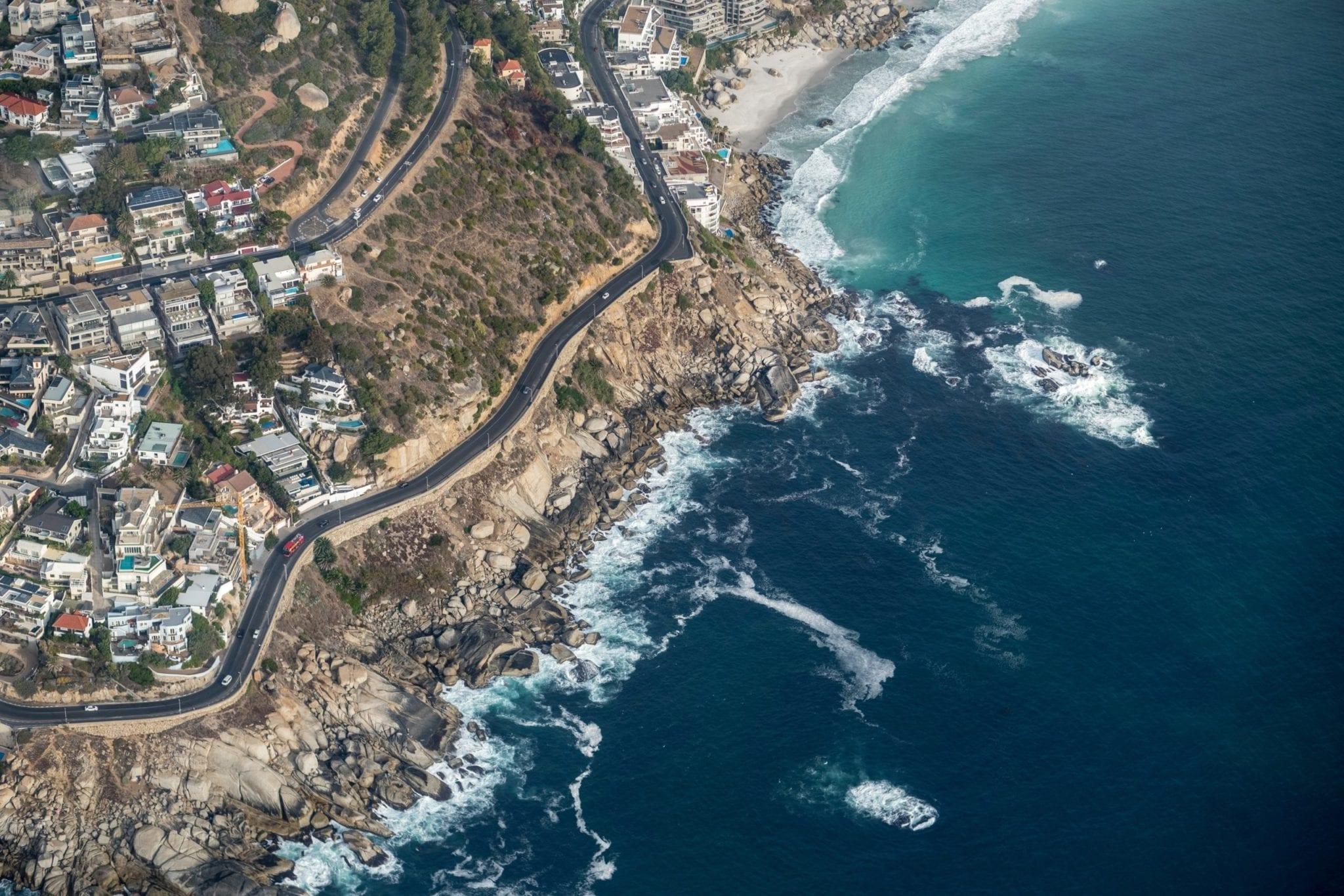Hubschrauberflug mit zwei Ozeanen